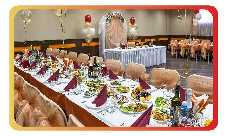 Большой банкетный зал для свадьбы